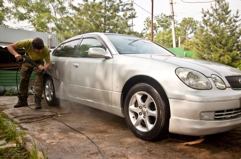 вымыть машину