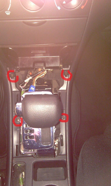 Замена ламп подсветки центральной консоли, регулировка ручника на Тойота Королла (Toyota  Corolla)