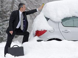 Припарковаться в сугробе