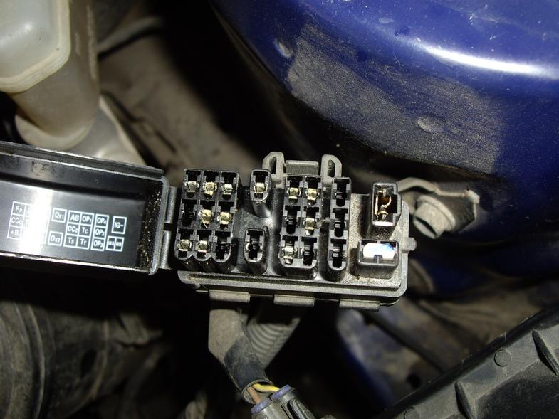 Схема блоков предохранителей для  Toyota Corolla 8 поколение (кузов E110)