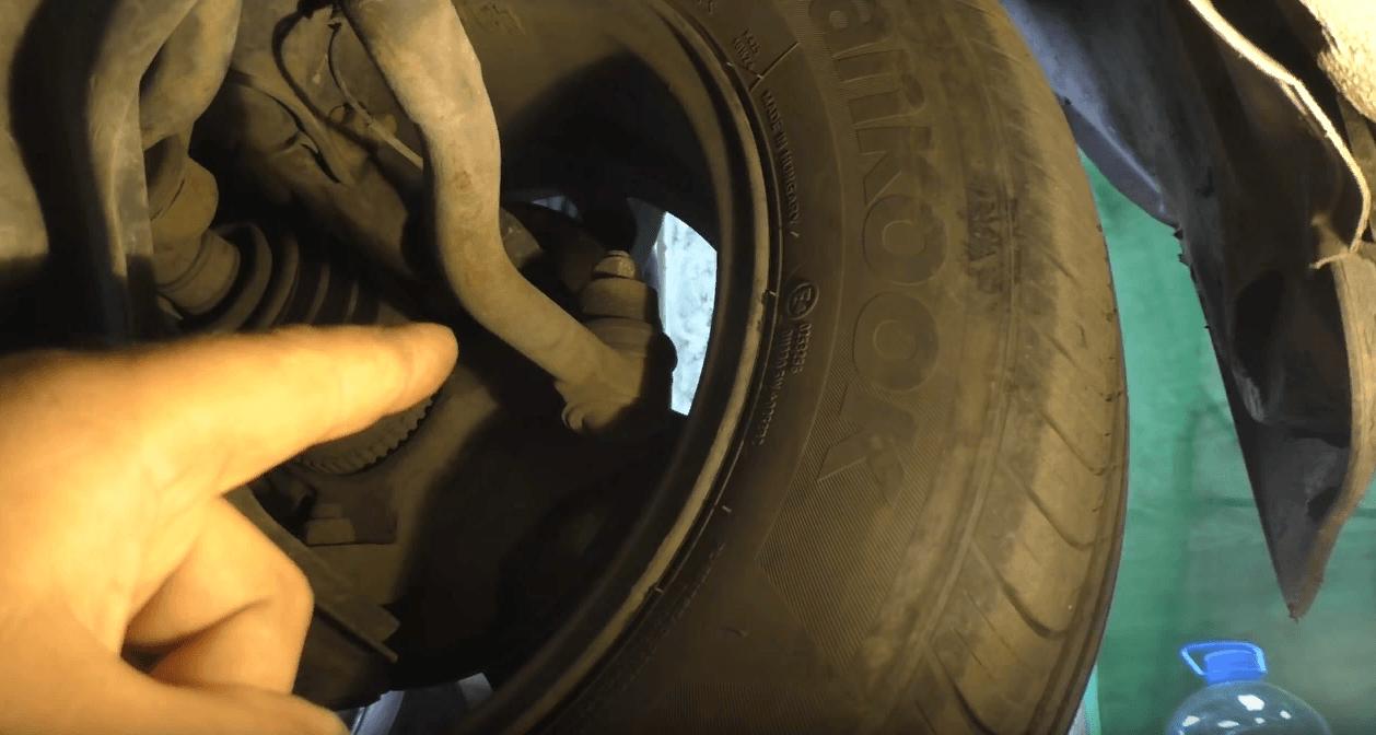 Замена рулевых наконечников своими руками