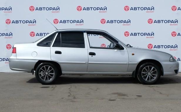 Какую машину купить за 100 тысяч рублей в 2019 году?